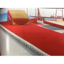 ACROBATIC ROLL UP TRACK